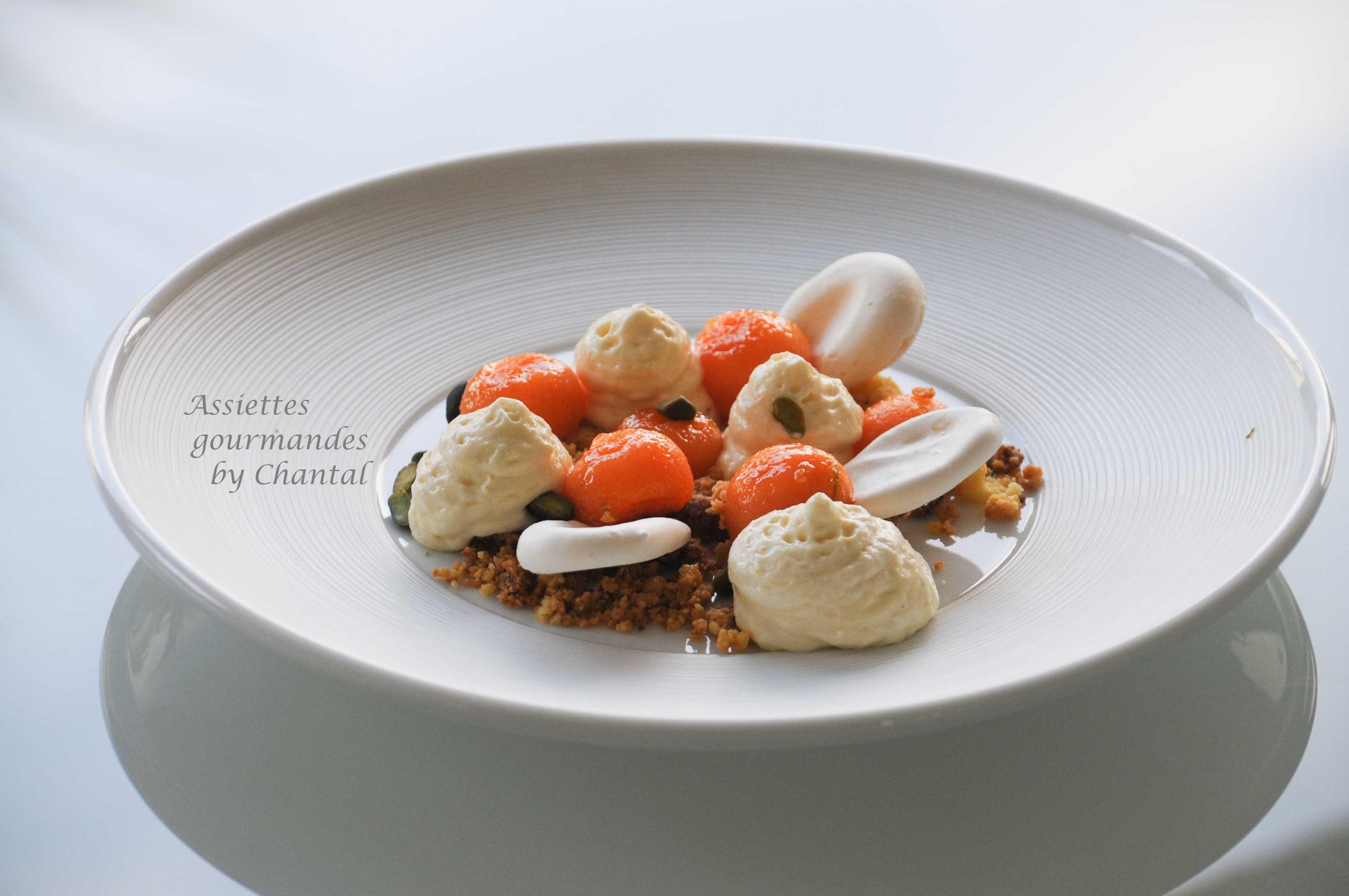 Melon, espuma amande, meringues - Recette de melon