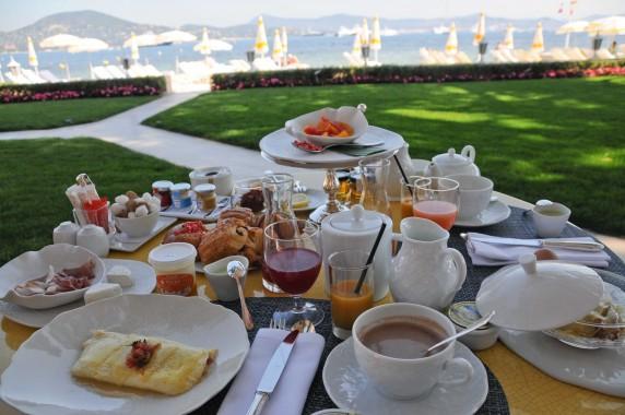 Patit déjeuner Résidence de la Pinède Saint Tropez (17)