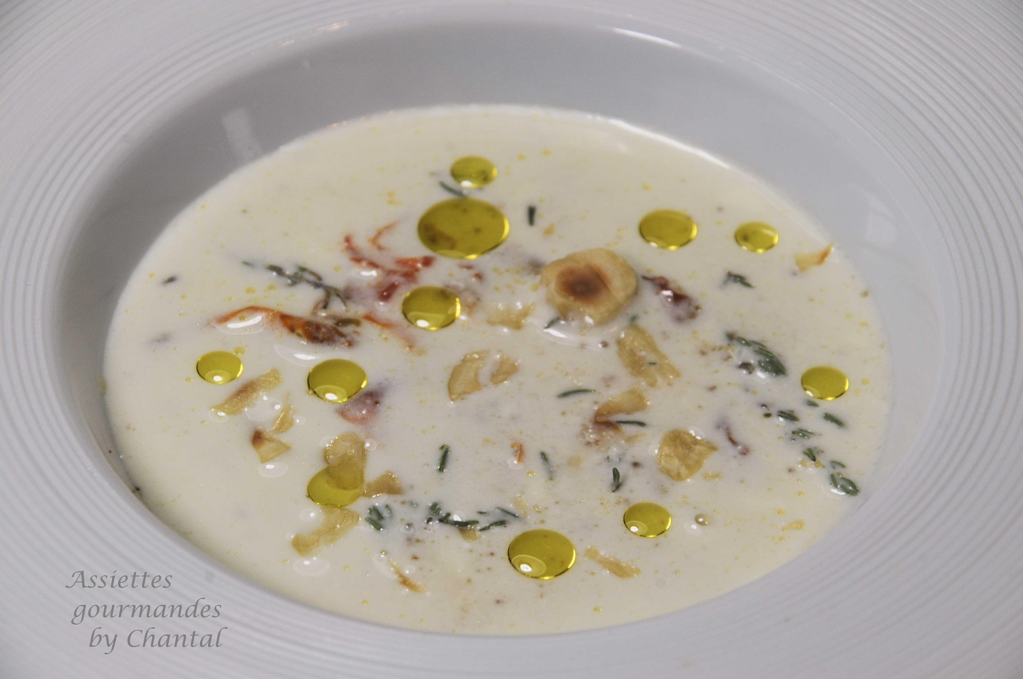 Soupe de Parmesan, thym citron et huile d'olive