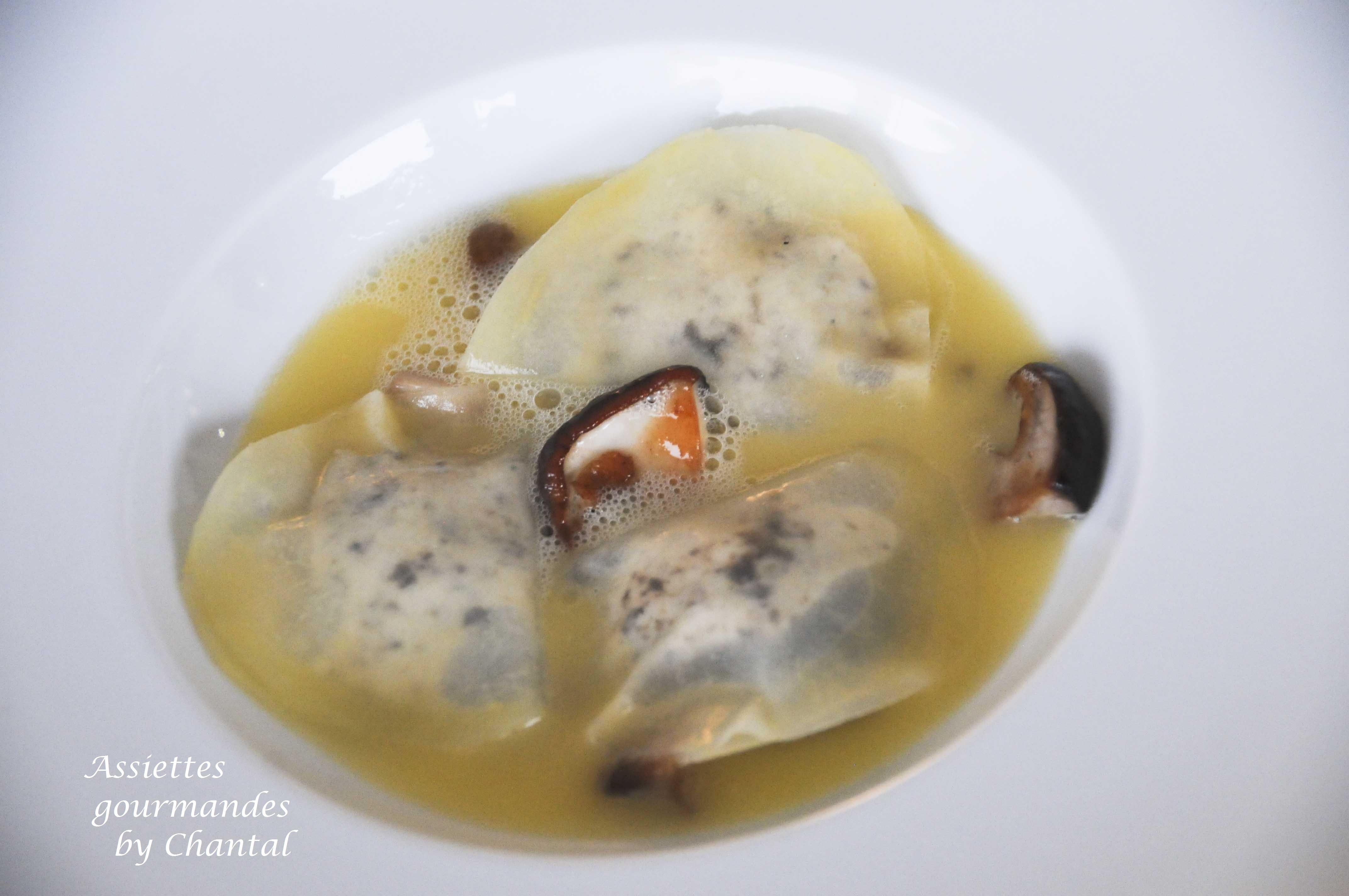 Mezzaluna (raviole pomme de terre) truffe et parmesan (recette de Troisgros)