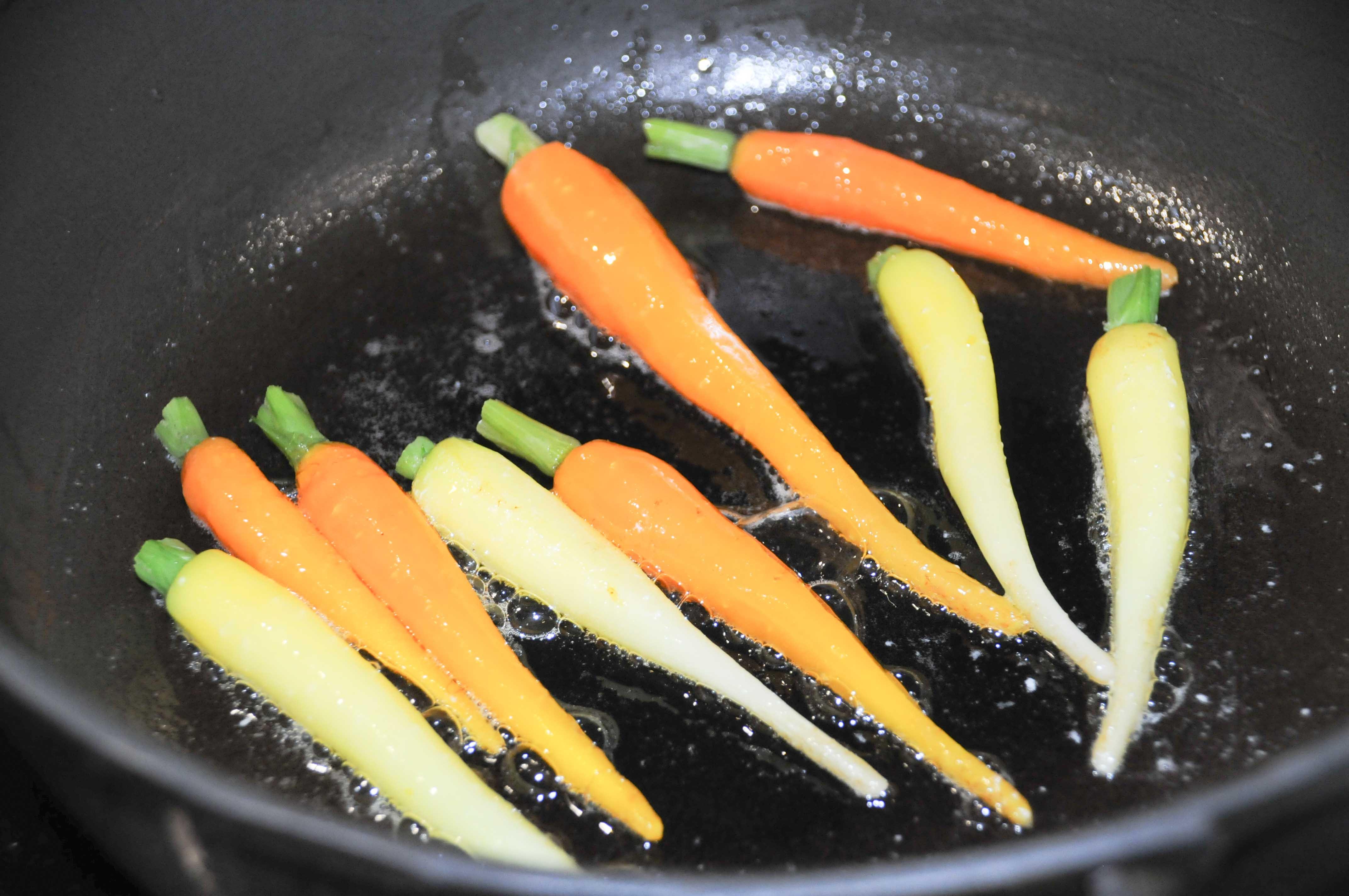 d clinaison autour de la carotte et dos de cabillaud recette de philippe etchebest. Black Bedroom Furniture Sets. Home Design Ideas