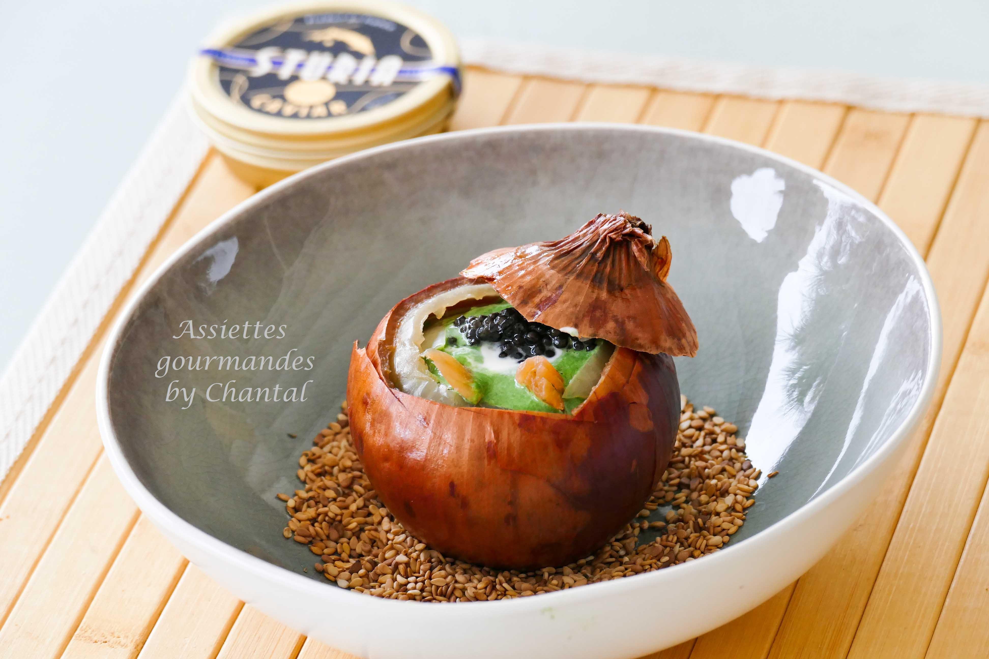 Oignon de Roscoff, crème de blette et caviar