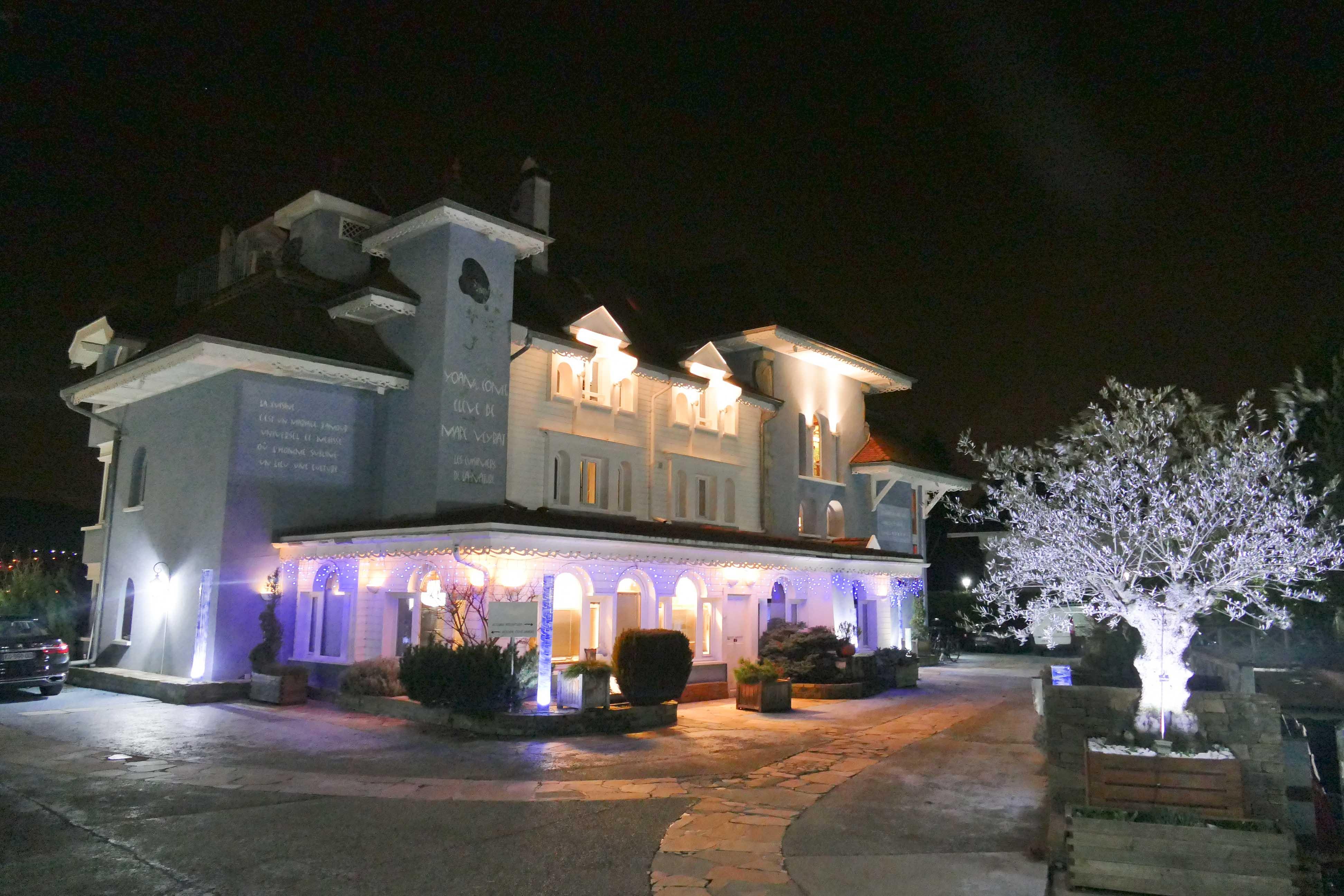 Hôtel de Yoann Conte, la Maison Bleue sur le lac d'Annecy