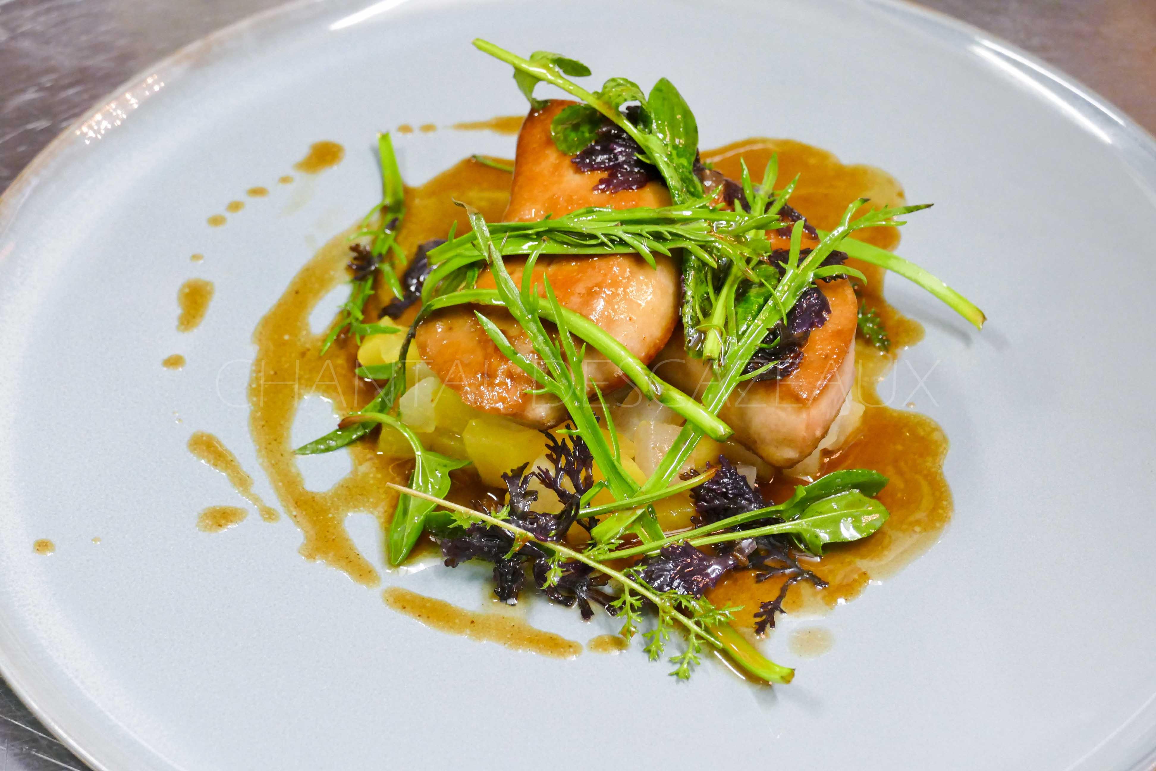 Foie gras poêlé, jus au curry vert (recette de Léo Forget)