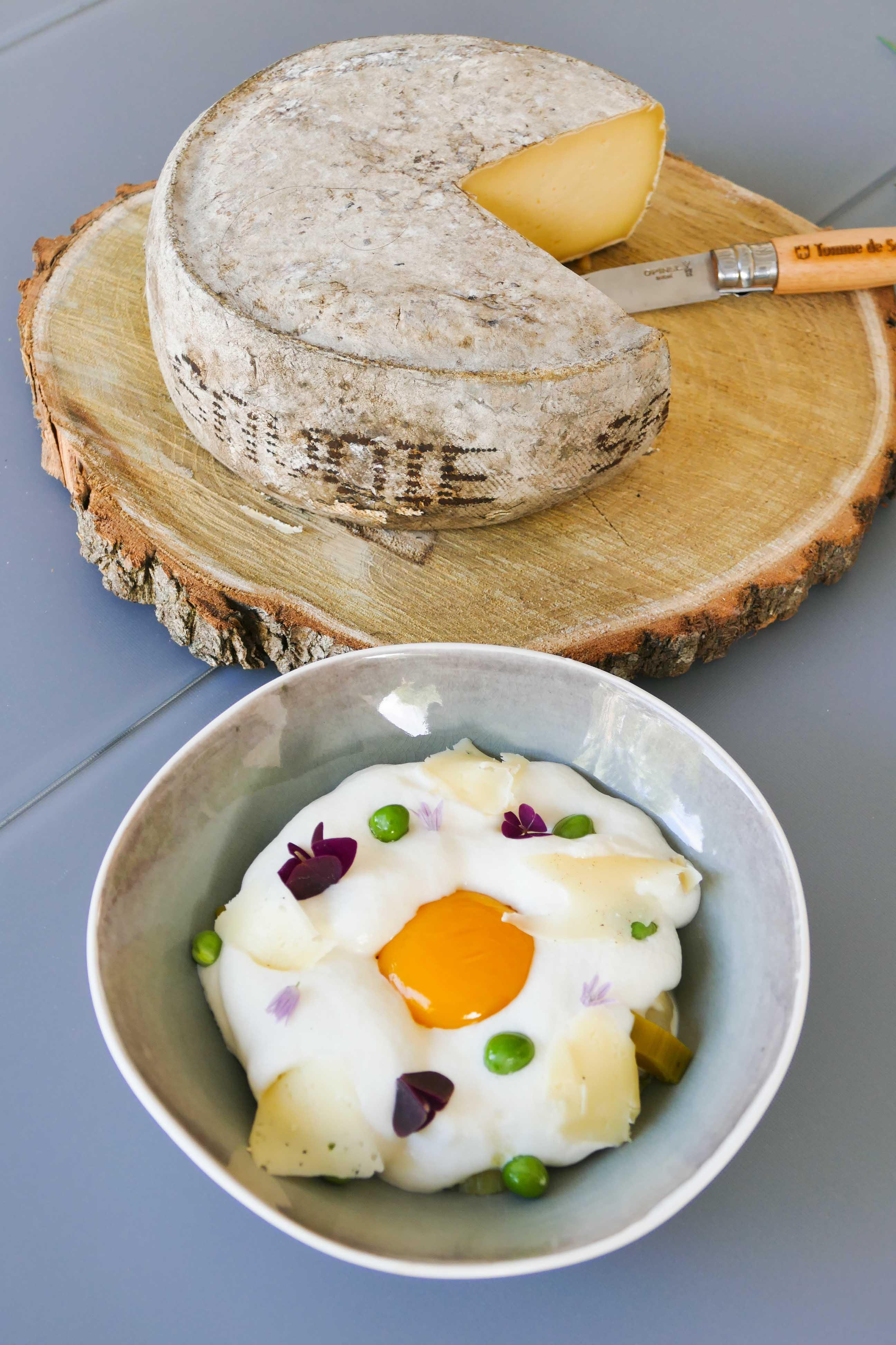 Oeuf au sel et espuma fromage