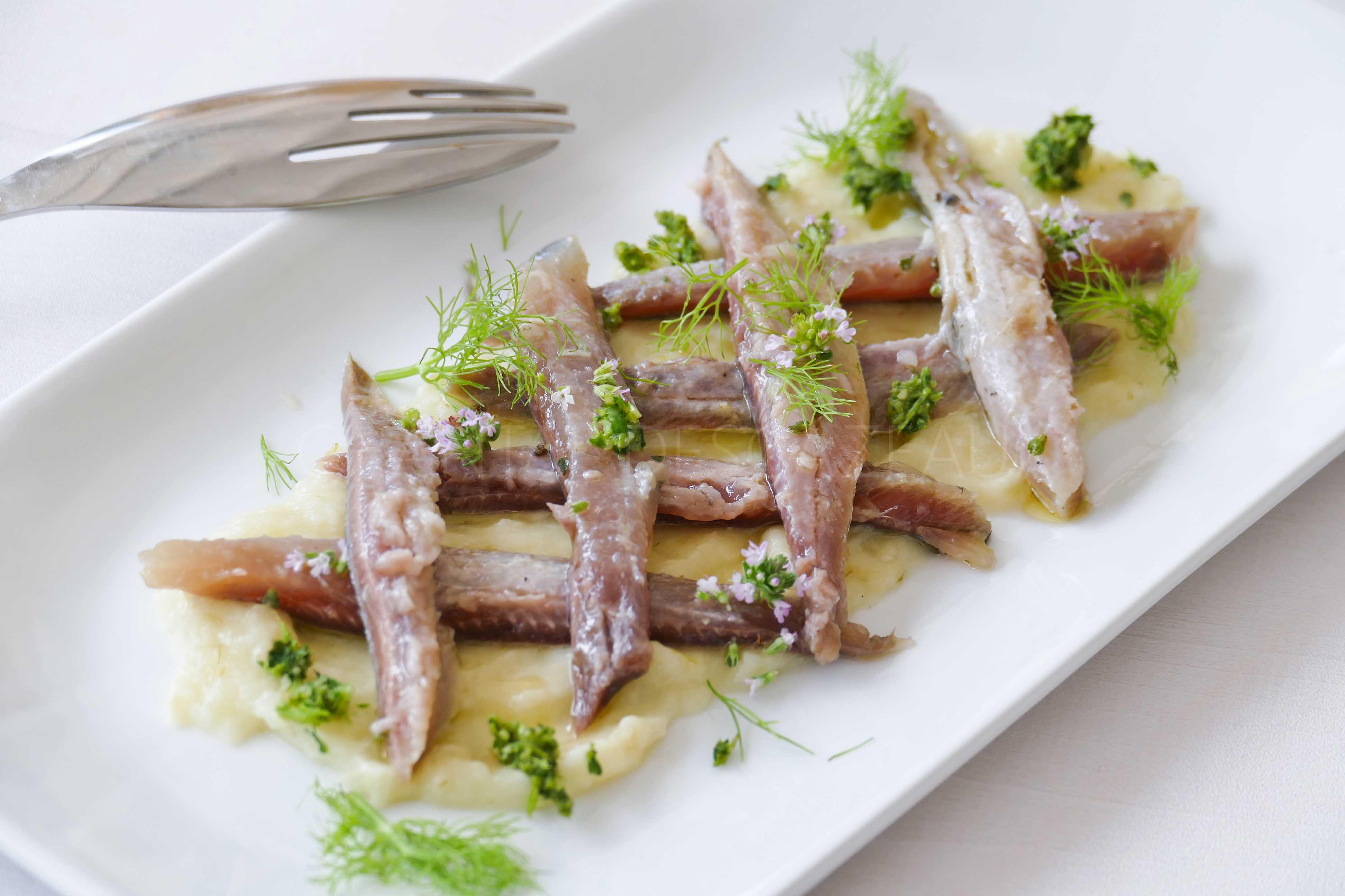 Sardines marinées, purée de fenouil et grémolata de coriandre