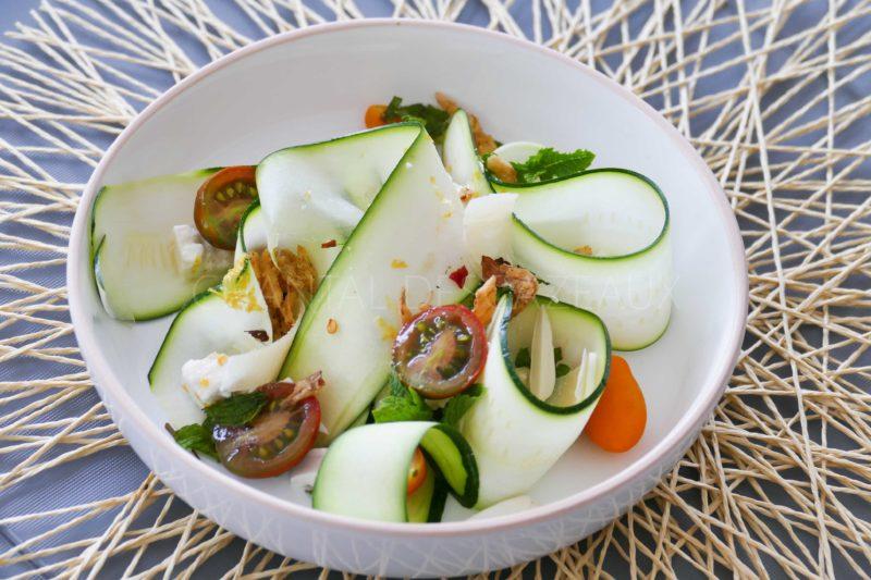 Salade courgettes crues, féta, menthe
