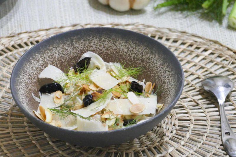 Salade fenouil, sauce anchois et parmesan