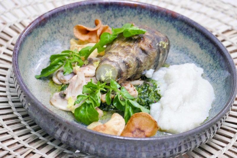 Topinambour rôti, pesto cresson, marinade champignons