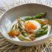 Œuf, asperges rôties et émulsion sauge Parmesan