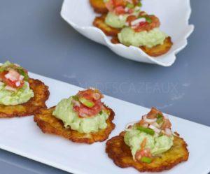Chips de bananes plantain «Patacones» et guacamole