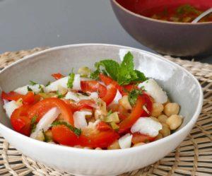 Salade de pois chiches, morue, et vinaigrette menthe et citron confit